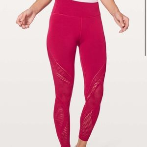 Lululemon Reveal tight tight Interconnect …